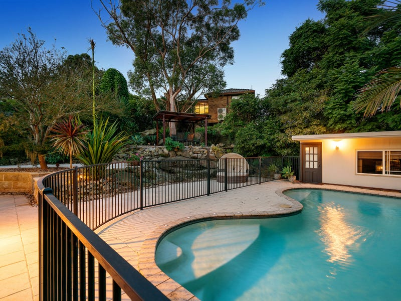 896 Henry Lawson Drive, Picnic Point, NSW 2213