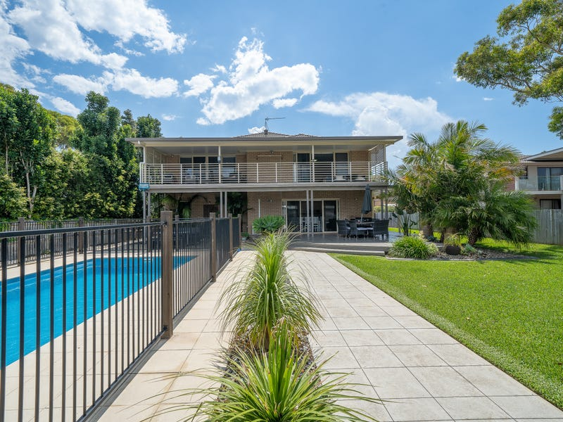 70 Boorawine Terrace, Callala Bay, NSW 2540
