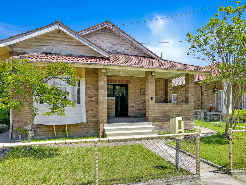 1 Martini Pde, Lithgow, NSW 2790