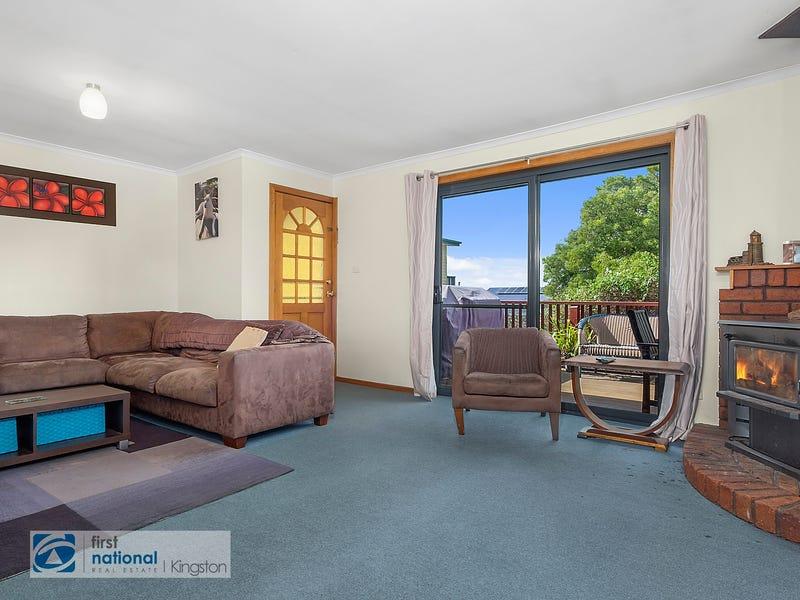 16 Garnett Street, Blackmans Bay, Tas 7052