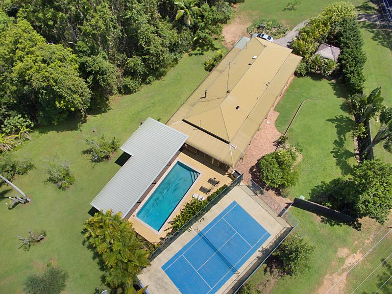 128 Hunchy Road, Hunchy, Qld 4555
