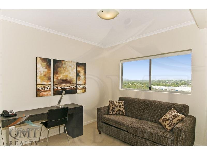204/11 Ellenborough Street, Woodend, Qld 4305