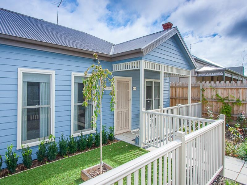2/271  Station Road, New Gisborne, Vic 3438