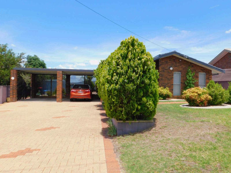 13  JOHNS DRIVE, Kootingal, NSW 2352