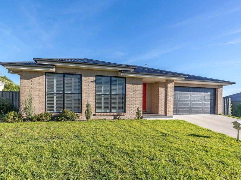 12A Whitney Place, Orange, NSW 2800