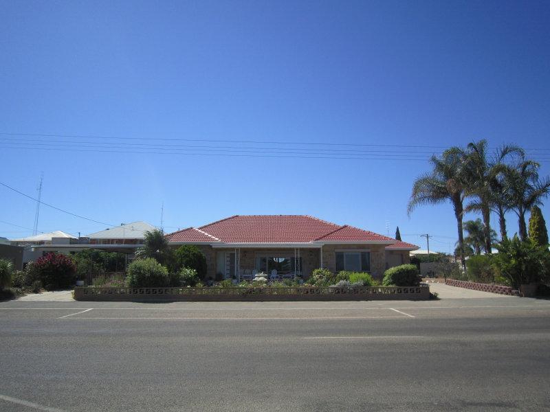 10 WEST TERRACE, Port Broughton, SA 5522