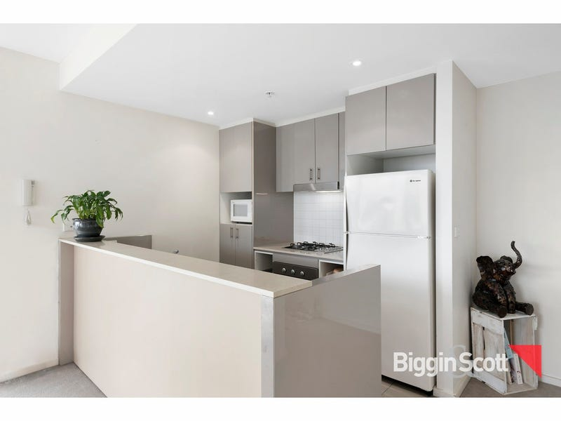 B605/55 Bay Street, Port Melbourne, Vic 3207