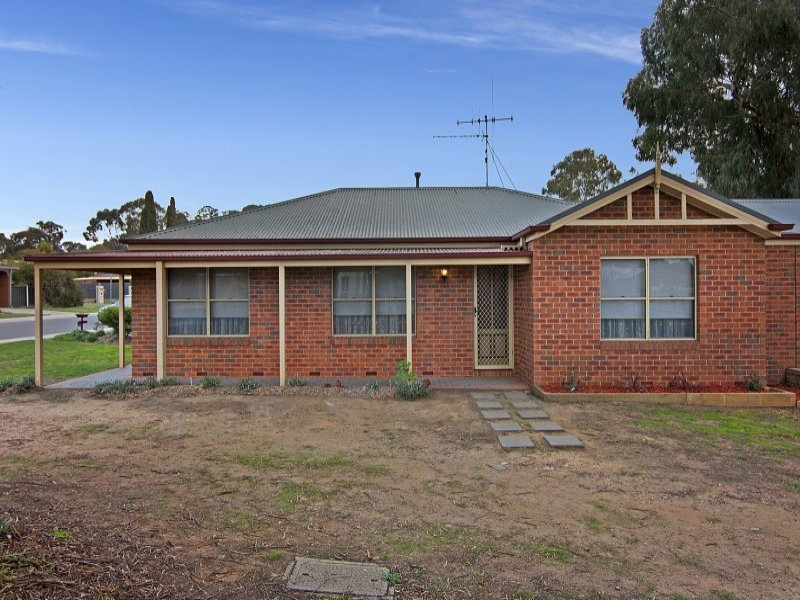 76 Marnie Road, Strathdale, Vic 3550