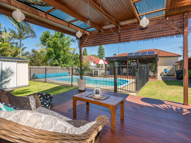 11 Sampson Avenue, Belmont North, NSW 2280