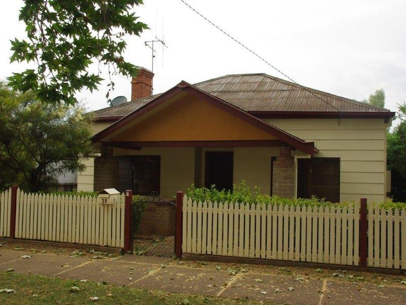 39 Whiteley Street, Wellington, NSW 2820