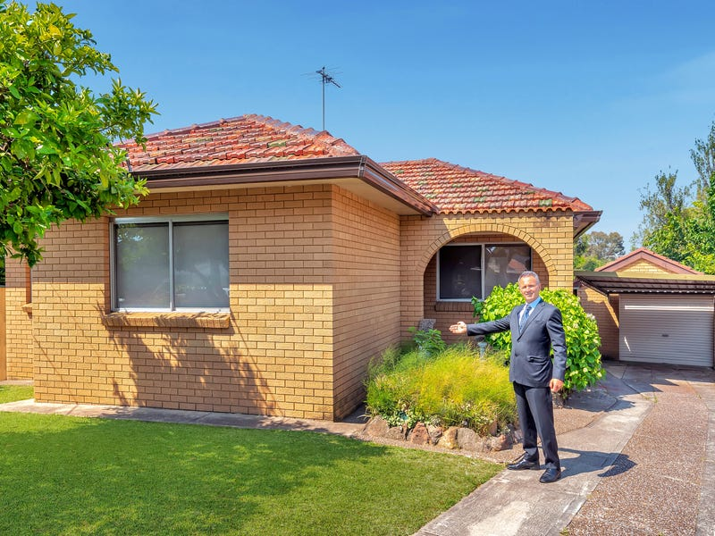 8 Dunrossil Avenue, Fairfield East, NSW 2165