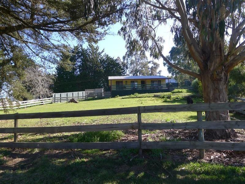 96 Main Road, Mount Egerton, Vic 3352