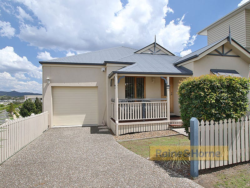 5 Everest Court, Springfield Lakes