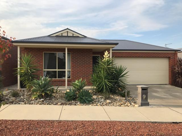 21 Sovereign Gardens, Kangaroo Flat, Vic 3555