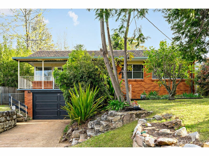 37 Chapman Parade, Faulconbridge, NSW 2776