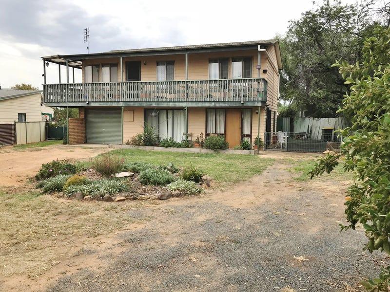 63 Brial Street, Boorowa, NSW 2586
