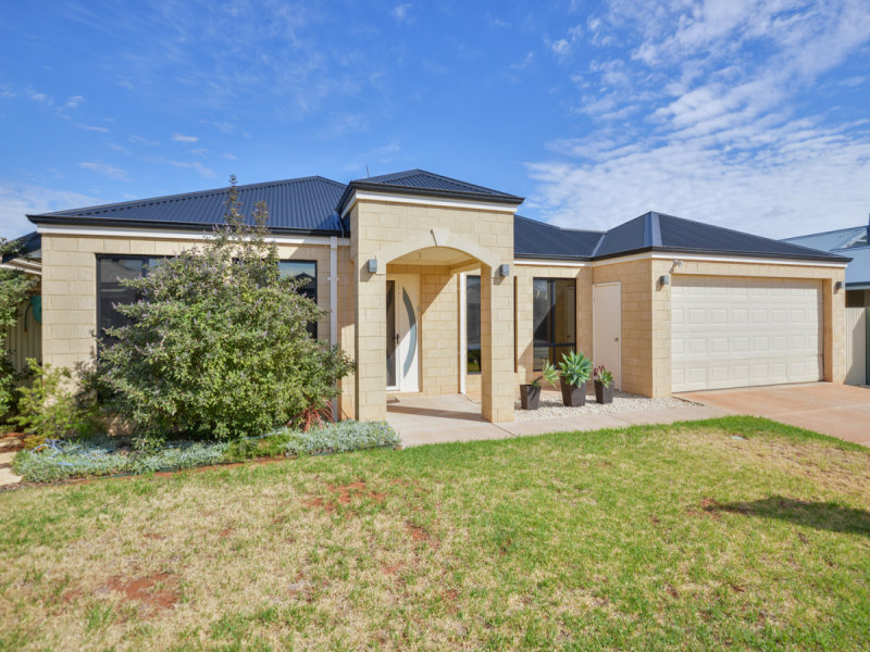 34 Nganka Way, Hannans, WA 6430