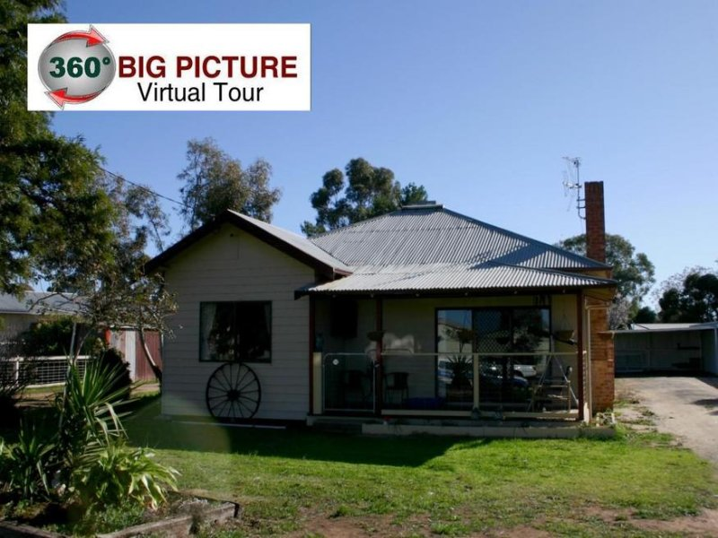 11 Station Street, Woorinen, Vic 3589