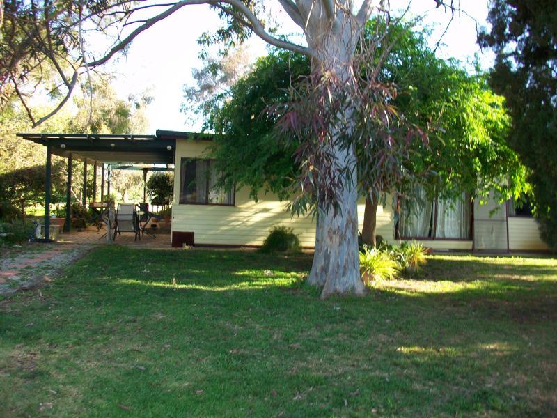 2 Tulla Rd, Tullakool, NSW 2732
