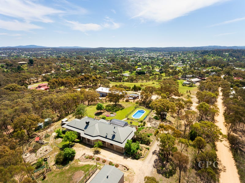 24 Ross Drive, Castlemaine, Vic 3450
