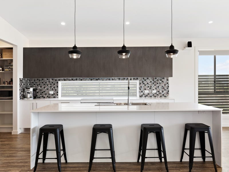 18 Feathertop Street, Terranora, NSW 2486