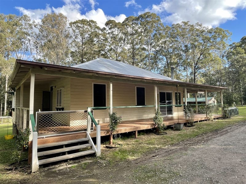 22 Hillview Drive, Yarravel, NSW 2440