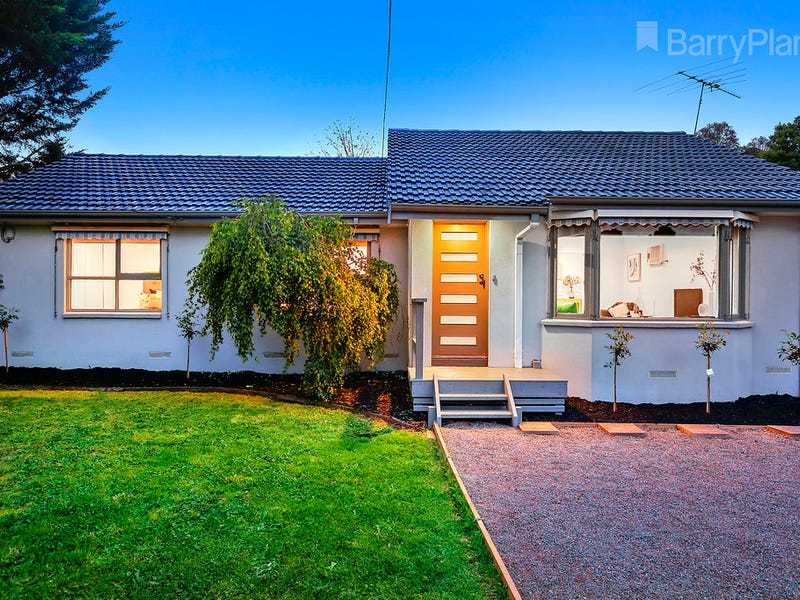 24 Blackburn Road, Mooroolbark, Vic 3138