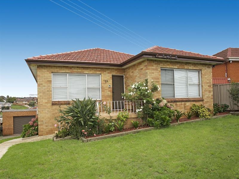52 Minnegang  St, Warrawong, NSW 2502