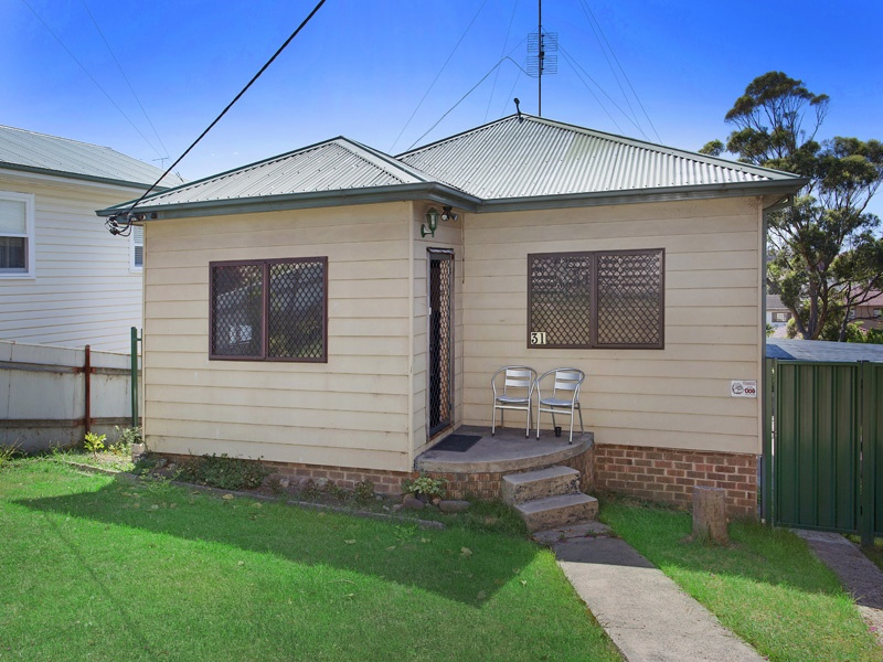 31 Lake Heights Road, Lake Heights, NSW 2502