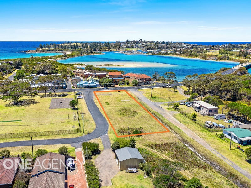 4 Wallaga Lake Road, Bermagui, NSW 2546