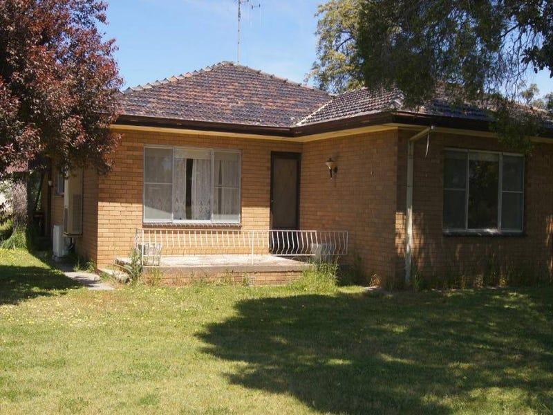 36 Tuppal Street, Finley, NSW 2713