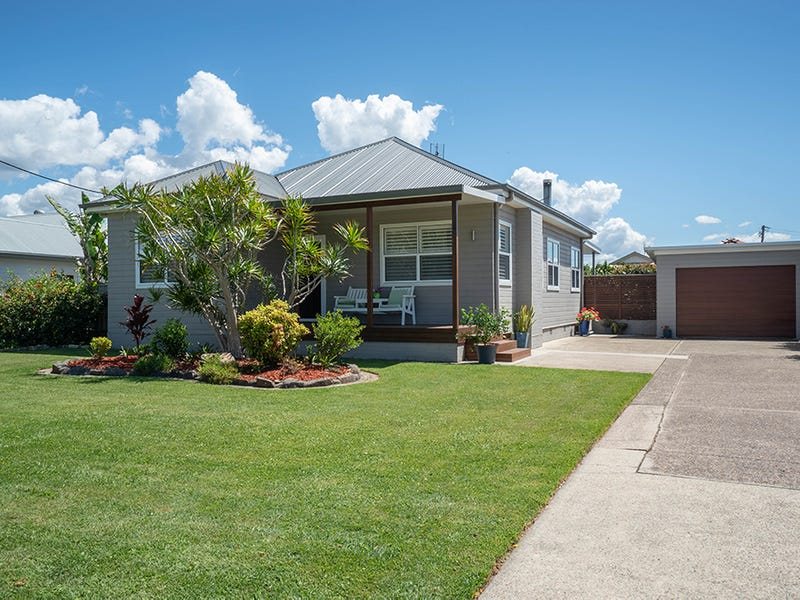 24 Thompson Street, Belmont South, NSW 2280