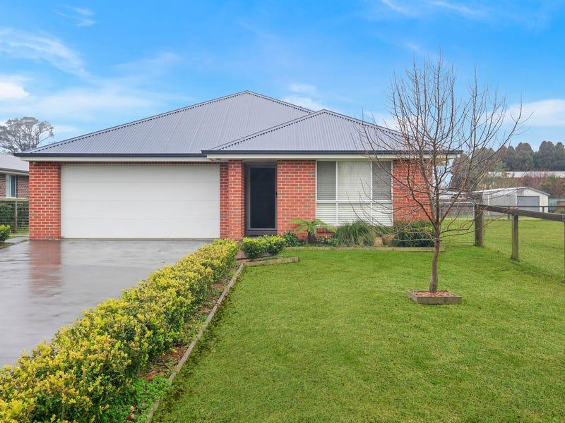 62-64 Burrawang Street, Robertson, NSW 2577