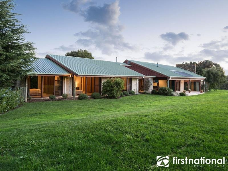 30 Beaconsfield-Emerald Road, Dewhurst, Vic 3808