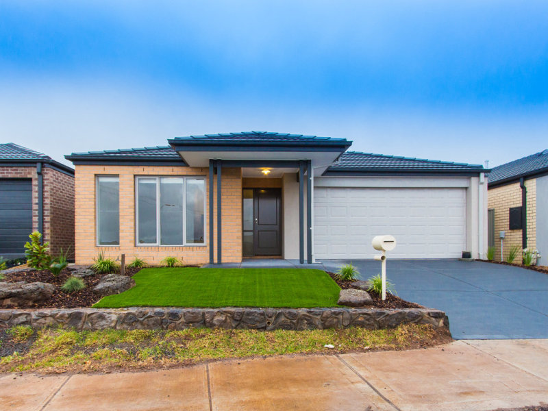 24 Casper  Place, Maddingley, Vic 3340