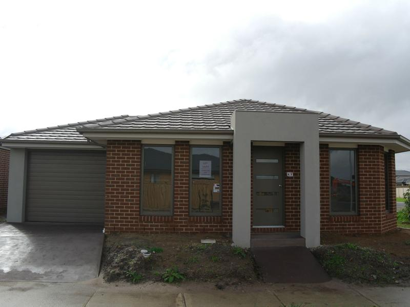 2 Green Glade Way, Cranbourne East, Vic 3977