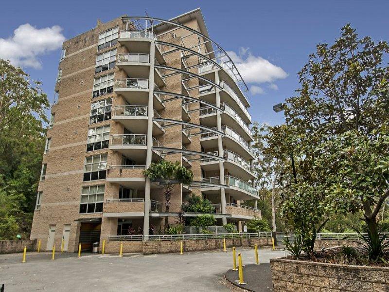 415/80 John Whiteway Drive, Gosford, NSW 2250