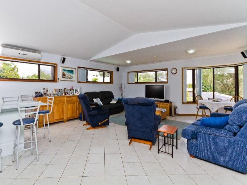 31 Lord Street, Shelly Beach, NSW 2261