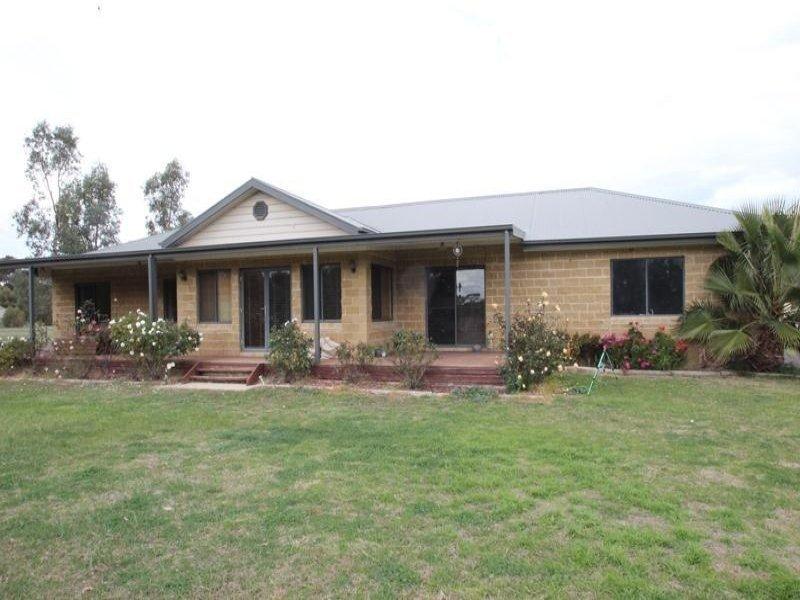 102 Honnibal Drive, Tocumwal, NSW 2714