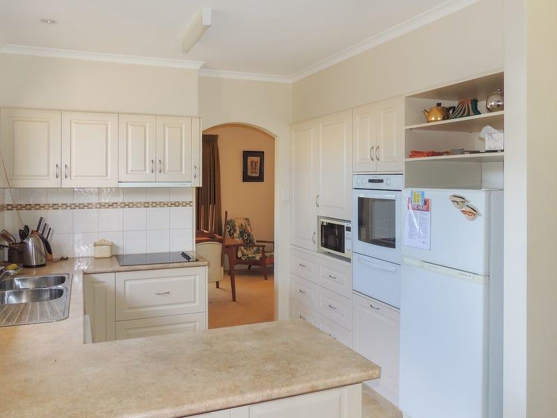 22 Mellor Grove, Swan Hill, Vic 3585