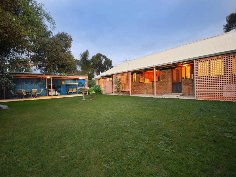 25 Chipperfield Drive, Moolap, Vic 3224