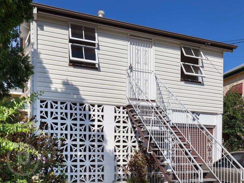 18 Macaulay Street, Coorparoo, Qld 4151