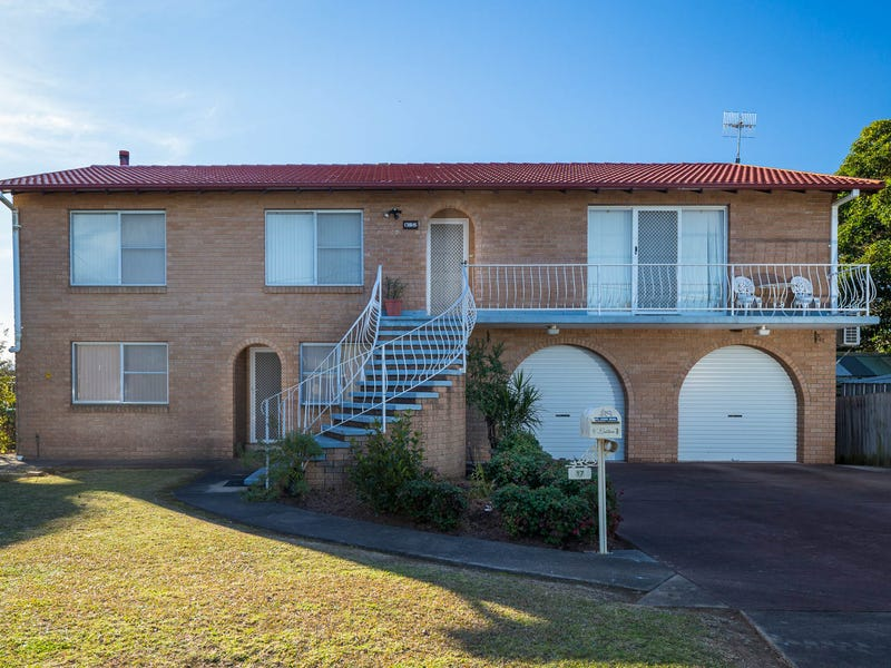 17 Wattle Crescent, Batehaven, NSW 2536