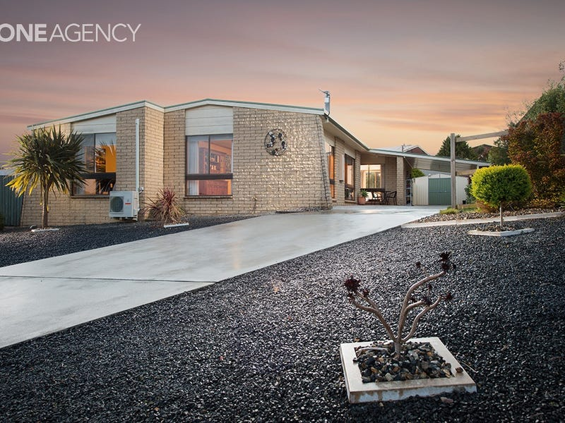 8 Damian Avenue, Downlands, Tas 7320