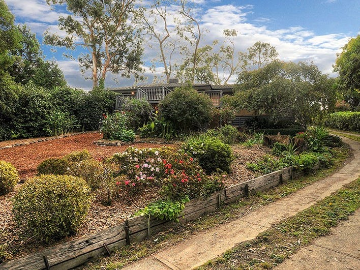 12 Braeside Drive, Launching Place, Vic 3139