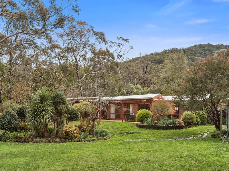 62 Taylors Road, Mount Macedon, Vic 3441