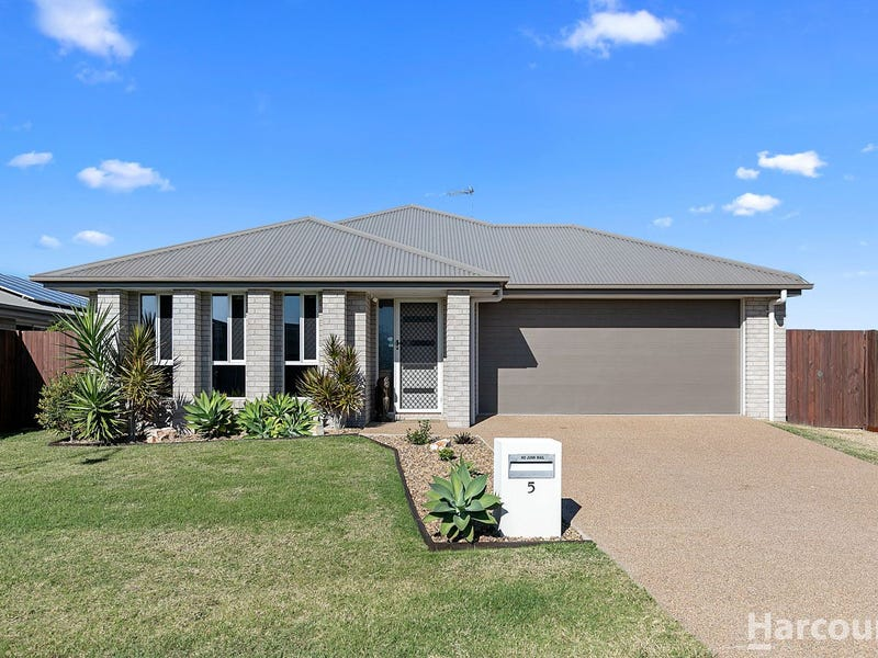 5 Imperial Circuit, Eli Waters, Qld 4655