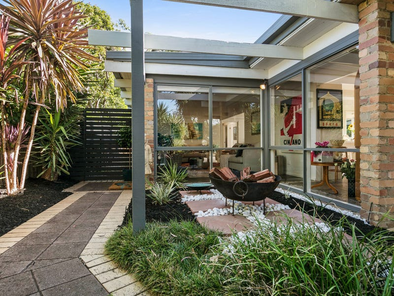 42 Mountain View Road, Mount Eliza, Vic 3930