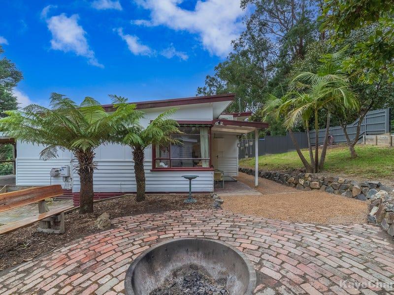 24 Carawa Street, Cockatoo, Vic 3781
