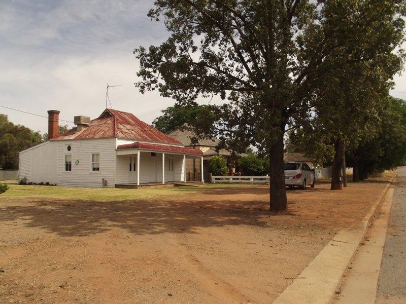 2 HANNAH ST, Ganmain, NSW 2702